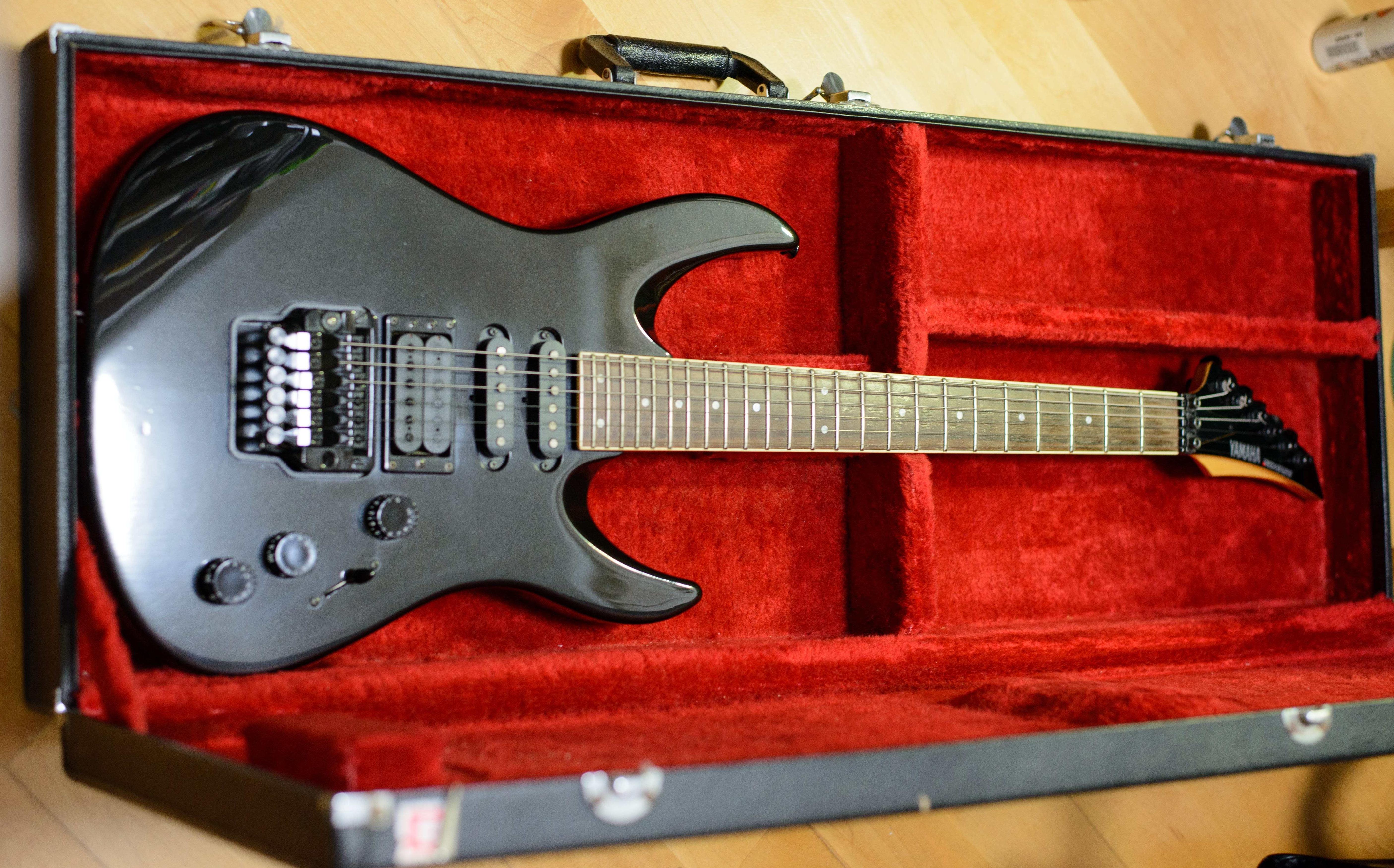 Yamaha RGX612S Electric Guitar with original case