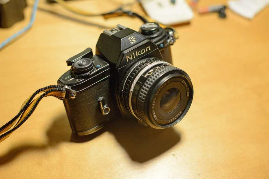 Nikon EM with 35mm/2.5 Series E Len