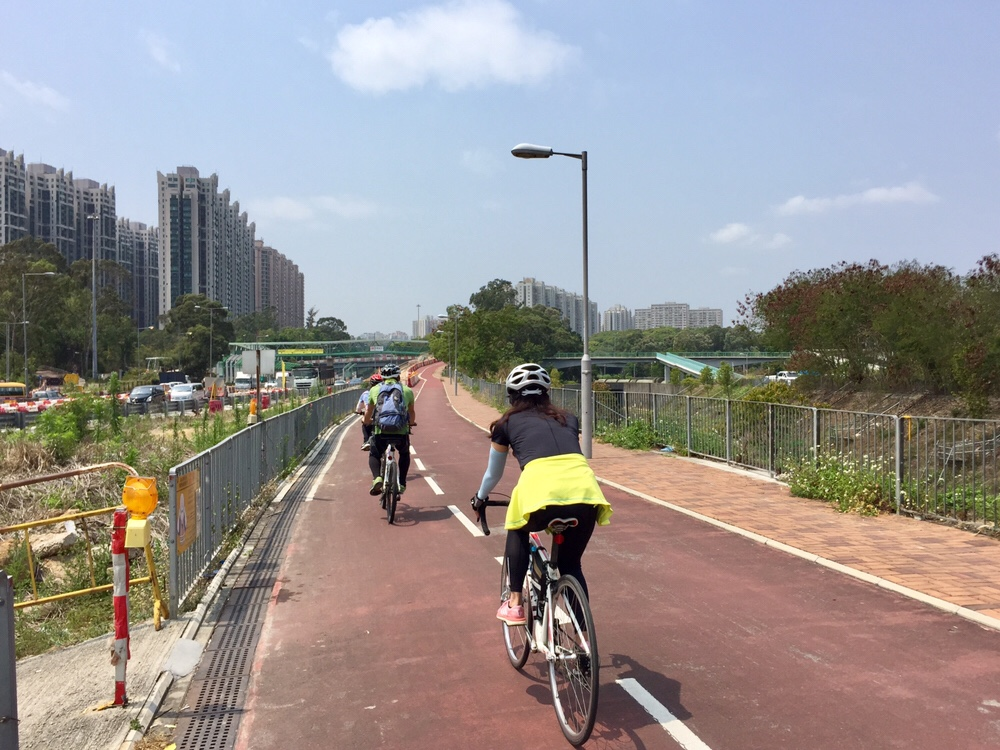 Bike path along Tai Wo Service Road East near Fanling