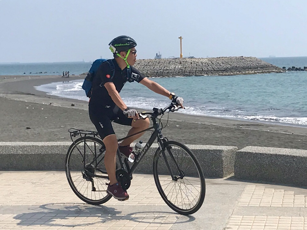 Enjoy seaview while riding along the Double Whelk Statue