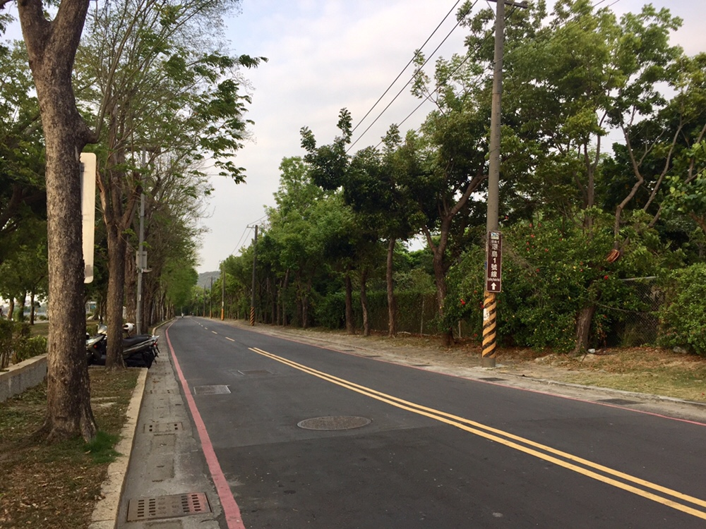 Huantan Road (環潭路) - Part of the 968 Km Taiwan Cycle Route No.1 (環島1號線)