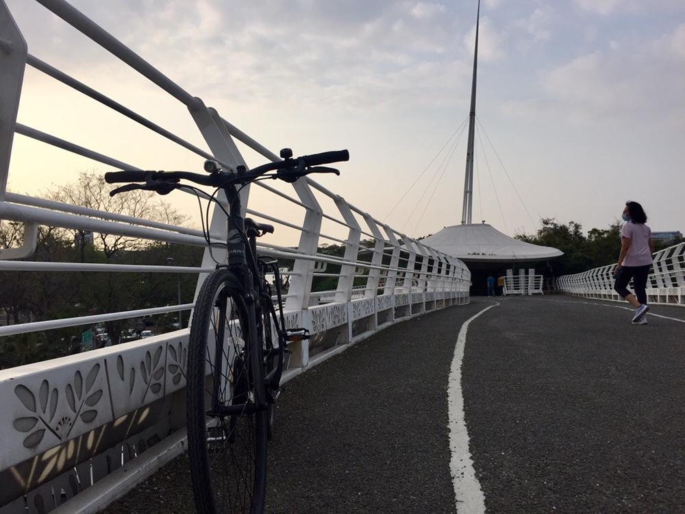 Cloud shape ceiling of the Cueihua Bicycle Bridge