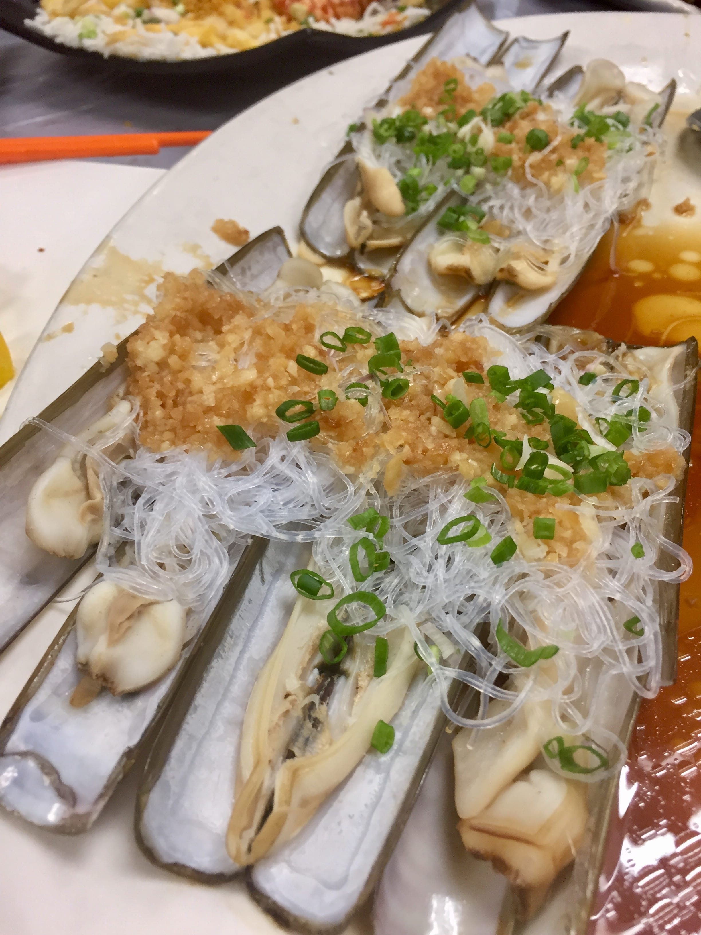 Razor Clams steamed with Garlic and Chinese Vermicelli