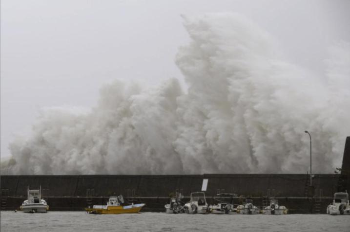 Noru crashed on a breakwater in Aki, Kochi Prefecture. Photo courtesy of Reuter.