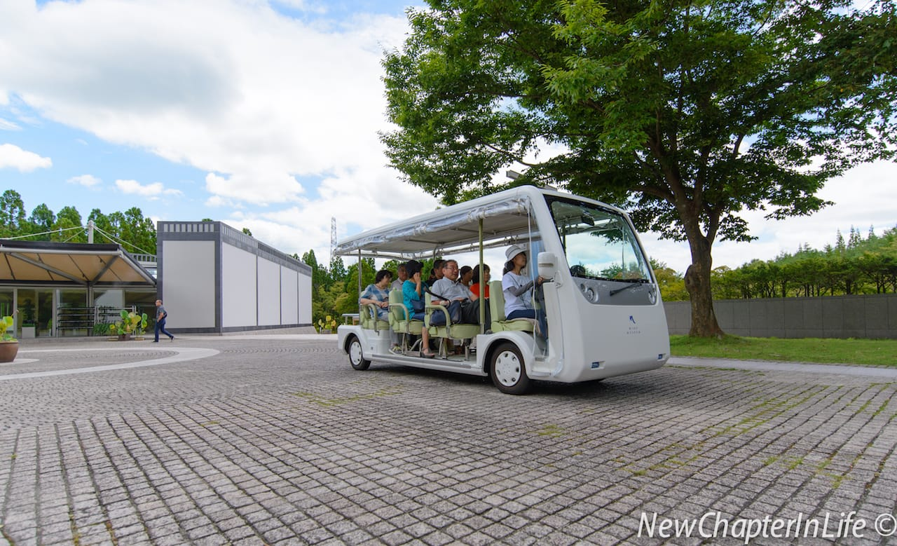 Electric Cart bring visitors to the Miho Museum
