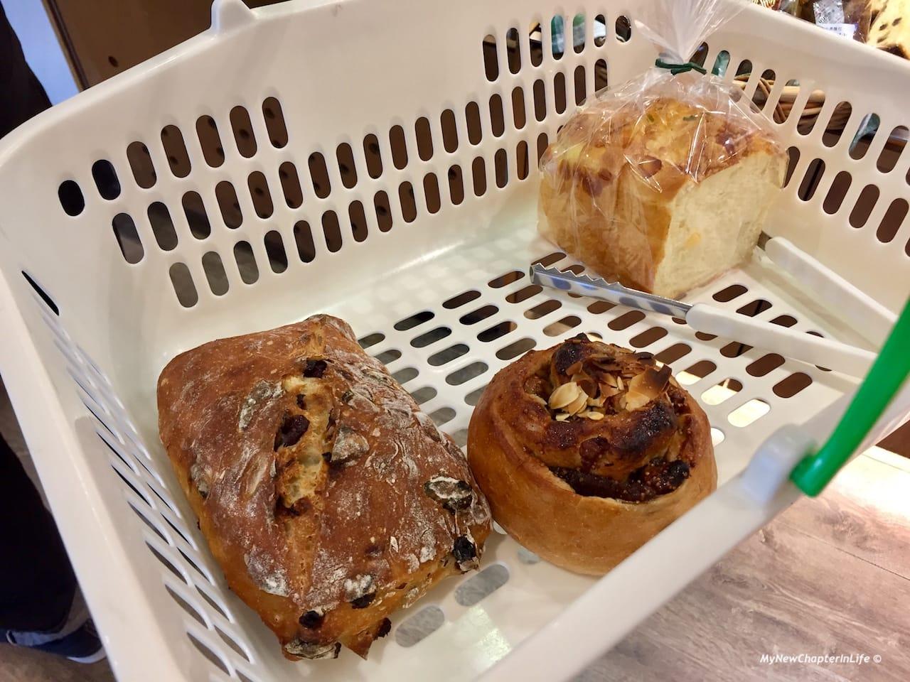 水菓洛斯堤克、核桃無花菓及乳酪吐司 Fruit Restigue, French bread with Fig Walnut and Cheese Toast