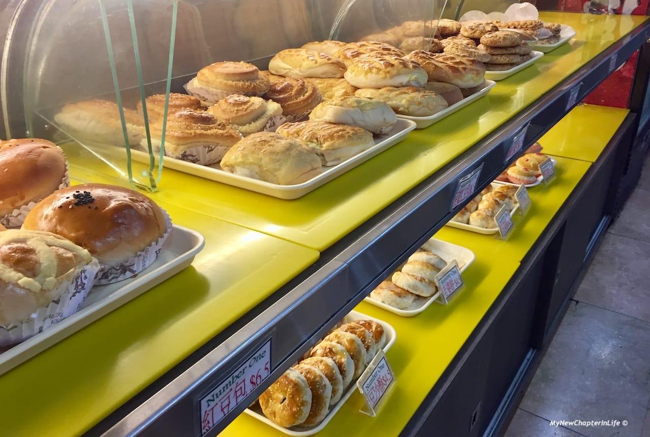 香港特式甜包及中式甜點(下) Hong Kong style sweet breads and traditional chinese cakes (below)