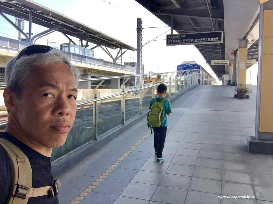 往台南市的台鐵列車 Local train to Tainan City