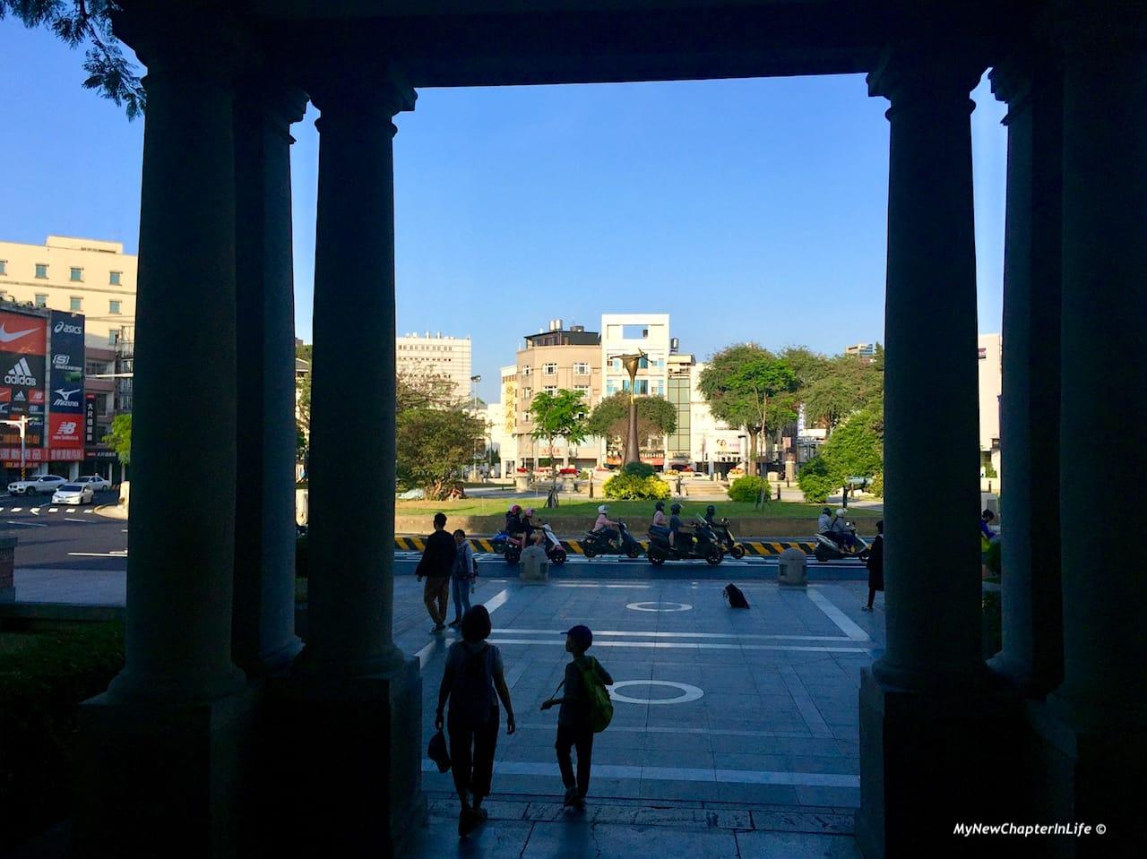 館外的湯德章紀念公園 Tangdezhang Memorial Park