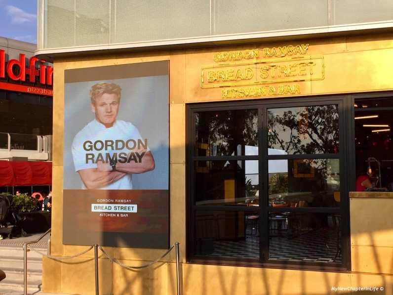 招牌姿勢 Signature Pose of Gordon Ramsay at Bread Street