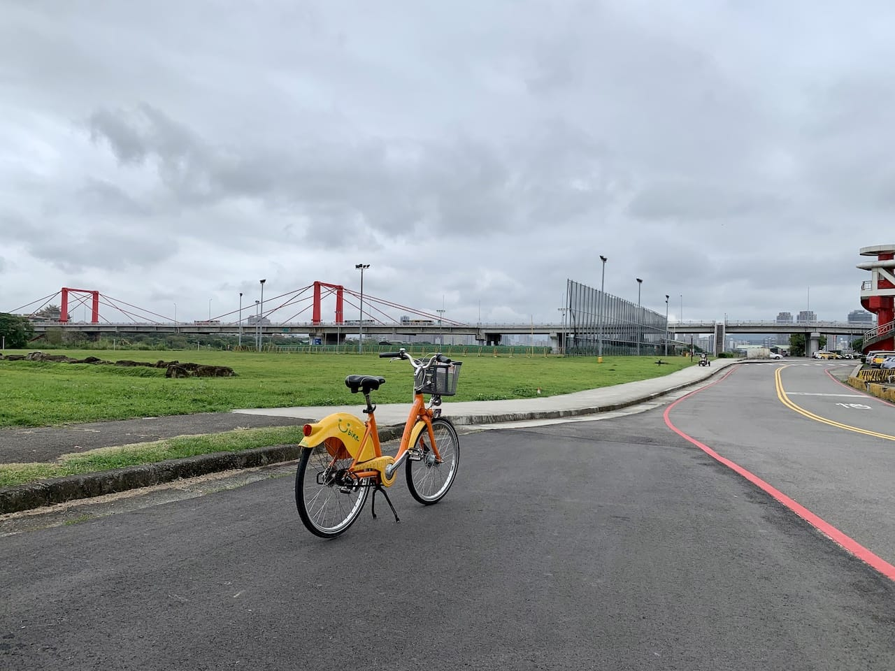 Jiangcuilijian Riverside Park & Guangfu Bridge 江翠礫間水岸公圈及光復大橋